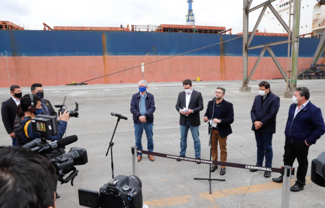 Ampliação do cais aumenta a capacidade do Porto de Paranaguá