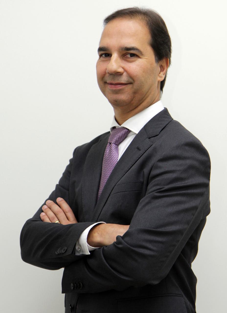 Sérgio Pedrosa é reeleito presidente da FETCEMG