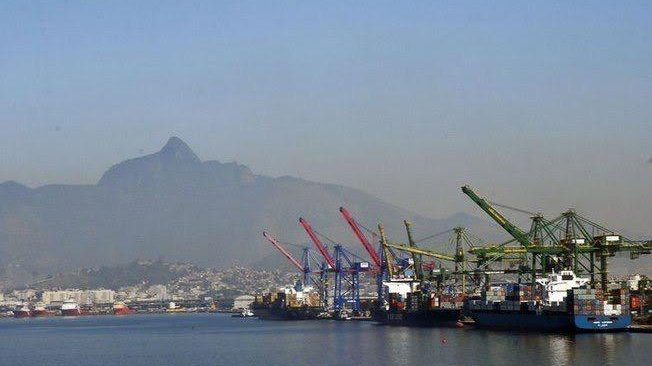 Exportações crescem US$ 3,73 bi em novembro, diz governo