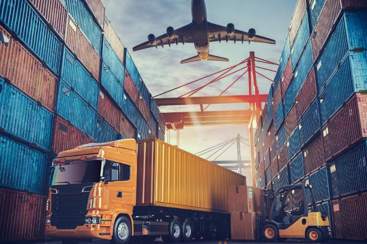 Apesar das restrições de circulação, o setor transportador mantém saldo  positivo de empregos formais - Portal NTC