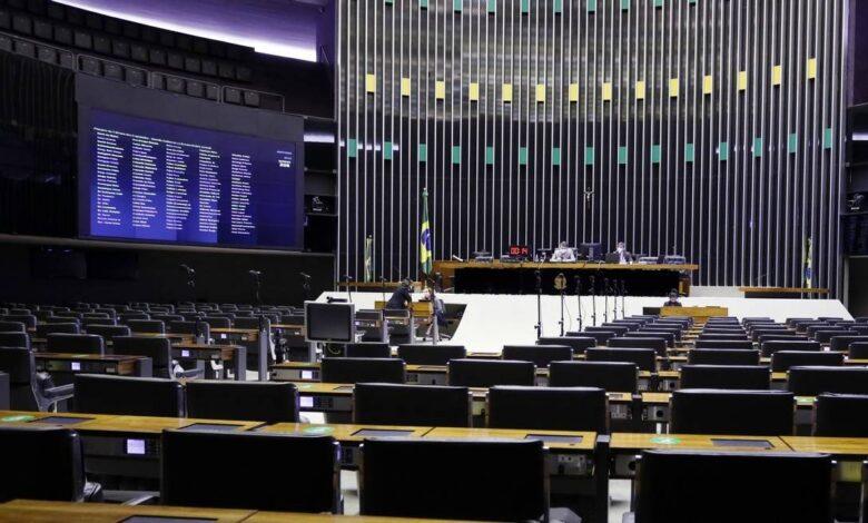 Por 430 votos a 33, Câmara decide derrubar veto de Bolsonaro à desoneração; texto vai ao Senado